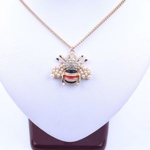 New beautiful pearl bee gold Necklace